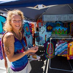 Mountain Maid Tie Dye artist at 2014 Sample the Sierra